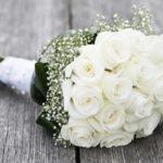 Bouquet e mazzo di fiori per la cresima: quale regalare?